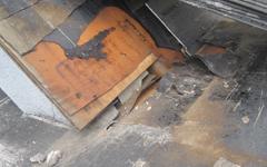 防水シートの劣化画像